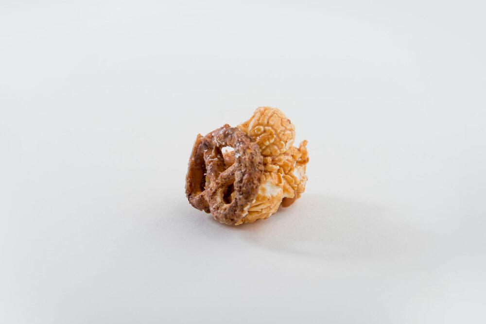 Knalle-Popcorn-Weiße-Schokolade-Salzbrezel-yasena